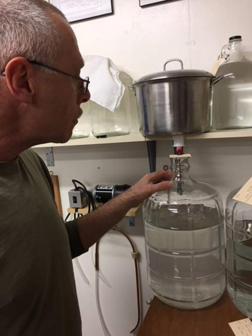 Adding vinar to glass carboy